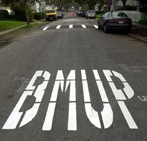 Misspelled on the road - Funny Pictures and Images